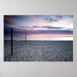 Affiche de volleyball de plage de coucher du solei