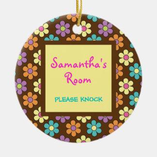 Affichette de porte de la pièce de la fille en ornement rond en céramique