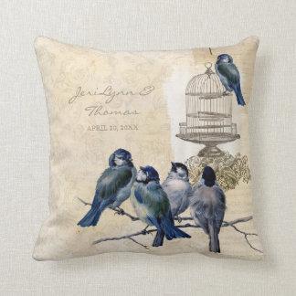 Affranchissement vintage de cage à oiseaux coussins carrés