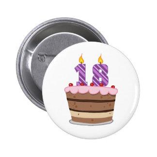 Âge 18 sur le gâteau d'anniversaire pin's