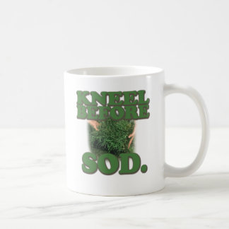 Agenouillement avant gazon mug
