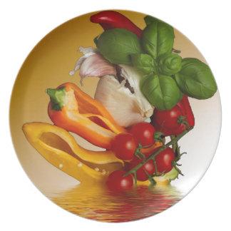 Ail de tomates de Basil de poivrons Assiette