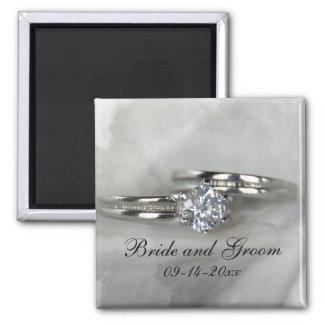 Aimant Anneaux de mariage sur le gris