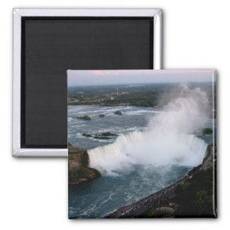 Aimant Chutes du Niagara : Le fer à cheval canadien tombe