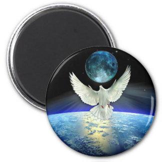 Aimant Colombe de paix au-dessus de la terre de planète