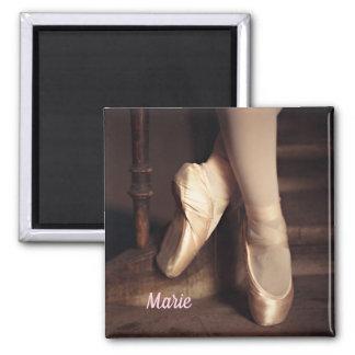 Aimant Considérant de danse de ballerine de ballet