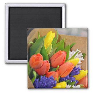 Aimant de bouquet de tulipes de ressort