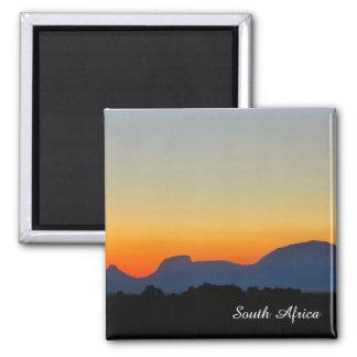 Aimant de montagnes de coucher du soleil de