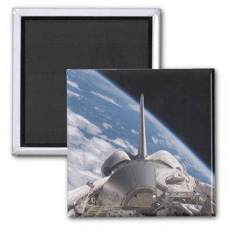 Aimant Découverte de navette spatiale backdropped par la