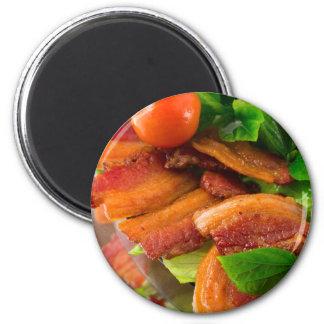 Aimant Détail d'un plat de lard et de tomate-cerise frits