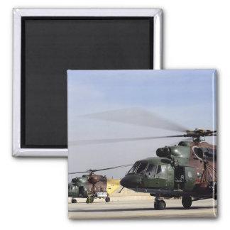 Aimant Deux hélicoptères irakiens de la hanche Mi-17