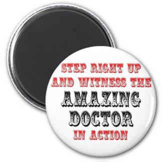 Aimant Docteur extraordinaire In Action