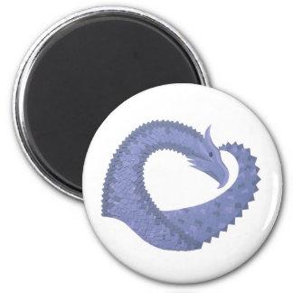 Aimant dragon Bleu-gris de coeur sur le blanc