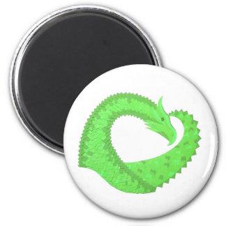 Aimant Dragon de coeur de vert de chaux sur le blanc
