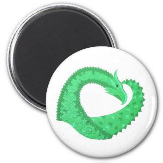 Aimant Dragon vert de coeur sur le blanc