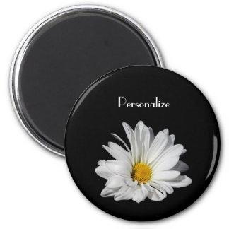 Aimant Fleur élégante de marguerite blanche avec le nom