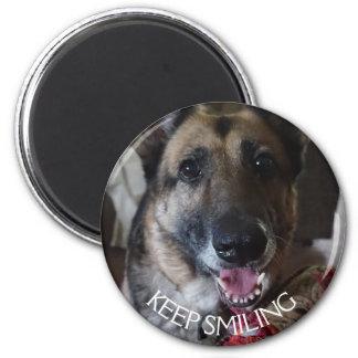 Aimant Gardez l'aimant de sourire de berger allemand