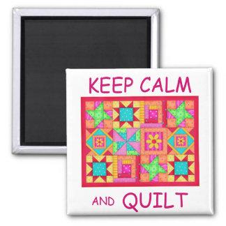 Aimant Gardez le calme et l'édredon de patchwork multi de