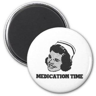 Aimant Humour drôle de parodie d'infirmière de temps de