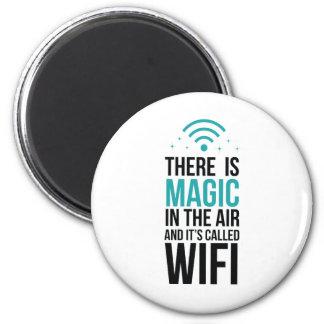 Aimant Il y a magique dans le ciel appelé Wi-Fi