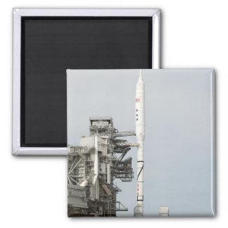 Aimant La fusée d'Ares IX est vue sur la plate-forme de