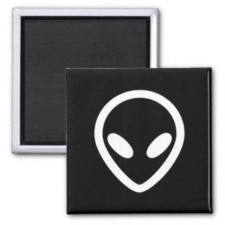 Aimant L'alien minimaliste vous observe