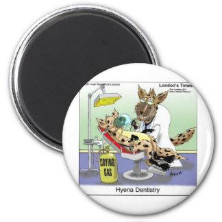 Aimant L'art dentaire drôle d'hyène pique des cartes et p