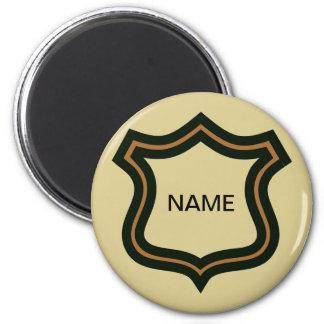 Aimant Le badge nominatif, ajoutent le texte