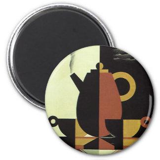 Aimant Le cru boit le pot de café de boissons avec des
