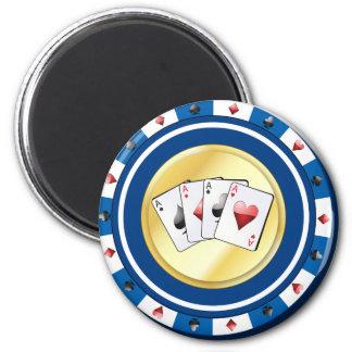 Aimant Le jeton de poker doré bleu avec le quadruple Aces