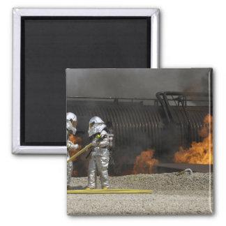 Aimant Les sapeurs-pompiers neutralisent un feu vivant