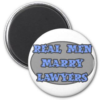 Aimant Les vrais hommes épousent des avocats