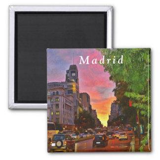 Aimant Madrid. Coucher du soleil coloré au-dessus de