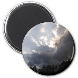 Aimant nuages de tempête roulant dedans