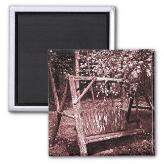 Aimant - oscillation en bois de pays - Brown