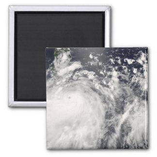 Aimant Ouragan Fengshen au-dessus des Philippines