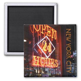 Aimant Ouvrez 24 heures de signe au néon New York City