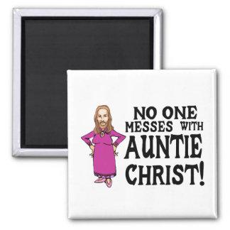 Aimant Personne salit avec tante le Christ