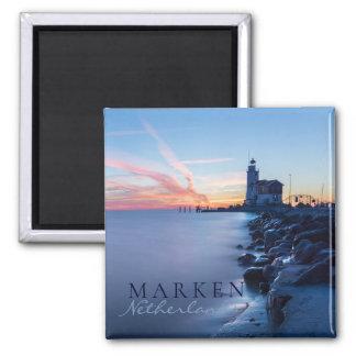 Aimant Phare de Paard van Marken dans un lever de soleil