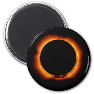 Aimant Près de l'éclipse solaire totale
