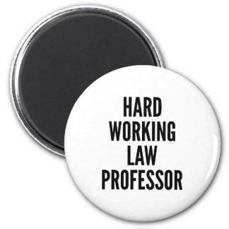 Aimant Professeur de Droit travaillant dur