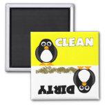 Aimant propre/sale de pingouin mignon de lave-vais