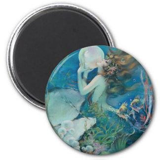 Aimant Sirène vintage tenant la perle