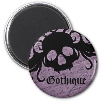 Aimant tete de mort gothique avec du noir et violet
