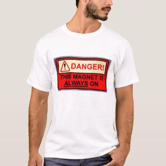 Aimant toujours sur le T-shirt