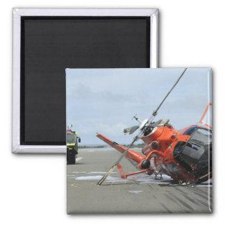 Aimant Un accident d'hélicoptère de dauphin de la garde