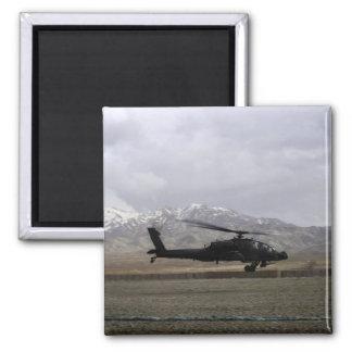 Aimant Un décollage d'AH-64A Apache