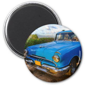 Aimant Vieille voiture classique américaine au Trinidad,