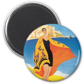 Aimant Voyage vintage, plage d'été avec la femme à Calvi