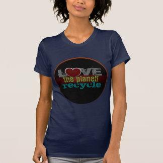 Aimez la planète réutilisent le petit T-shirt de d